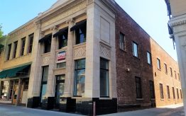 Creative Free-Standing Building for Lease