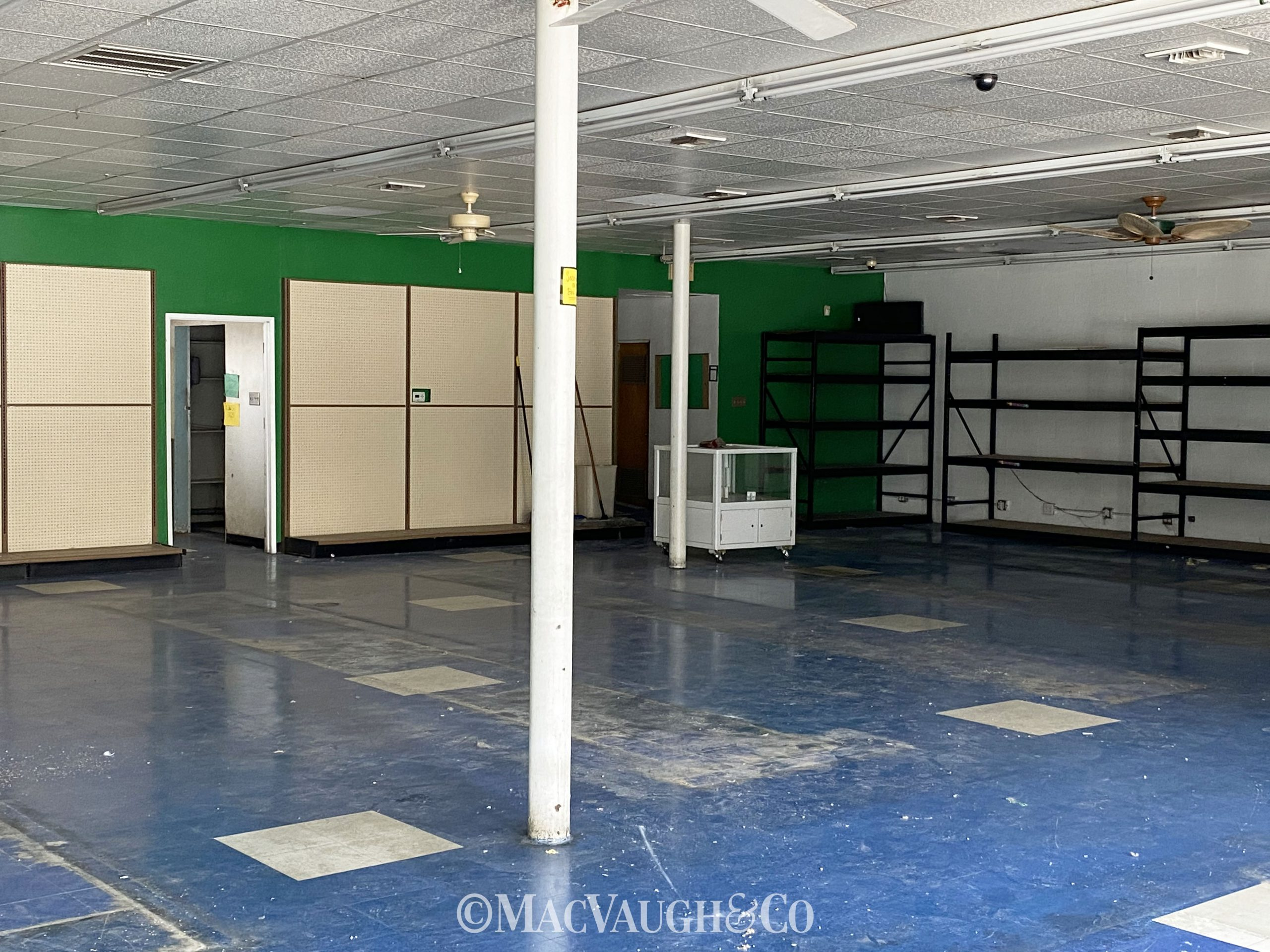MULTI USE BUILDING FOR LEASE